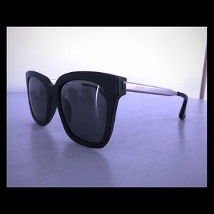 DIFF Womens Bella Polarized Sunglasses